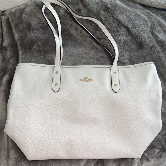 Used Coach leather tote / shoulder bag